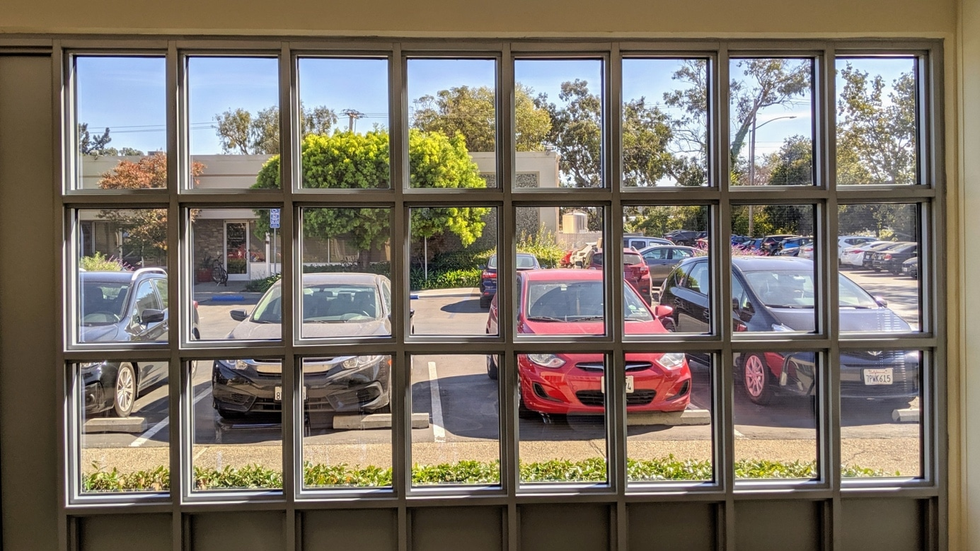Ubiquitous Energy transparente zonnepanelen van binnenuit. Foto: Business Wire